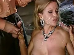 Luana BorgiaFrench wife fucked by two guys