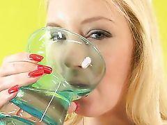 bella drinks her own pee